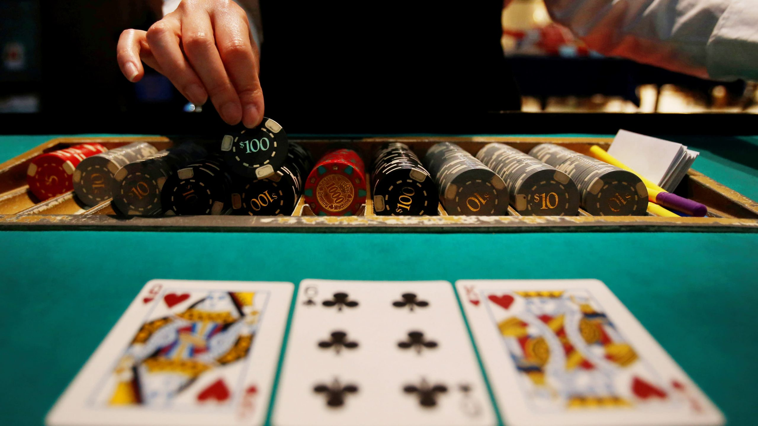 The Fight Over Online Casino